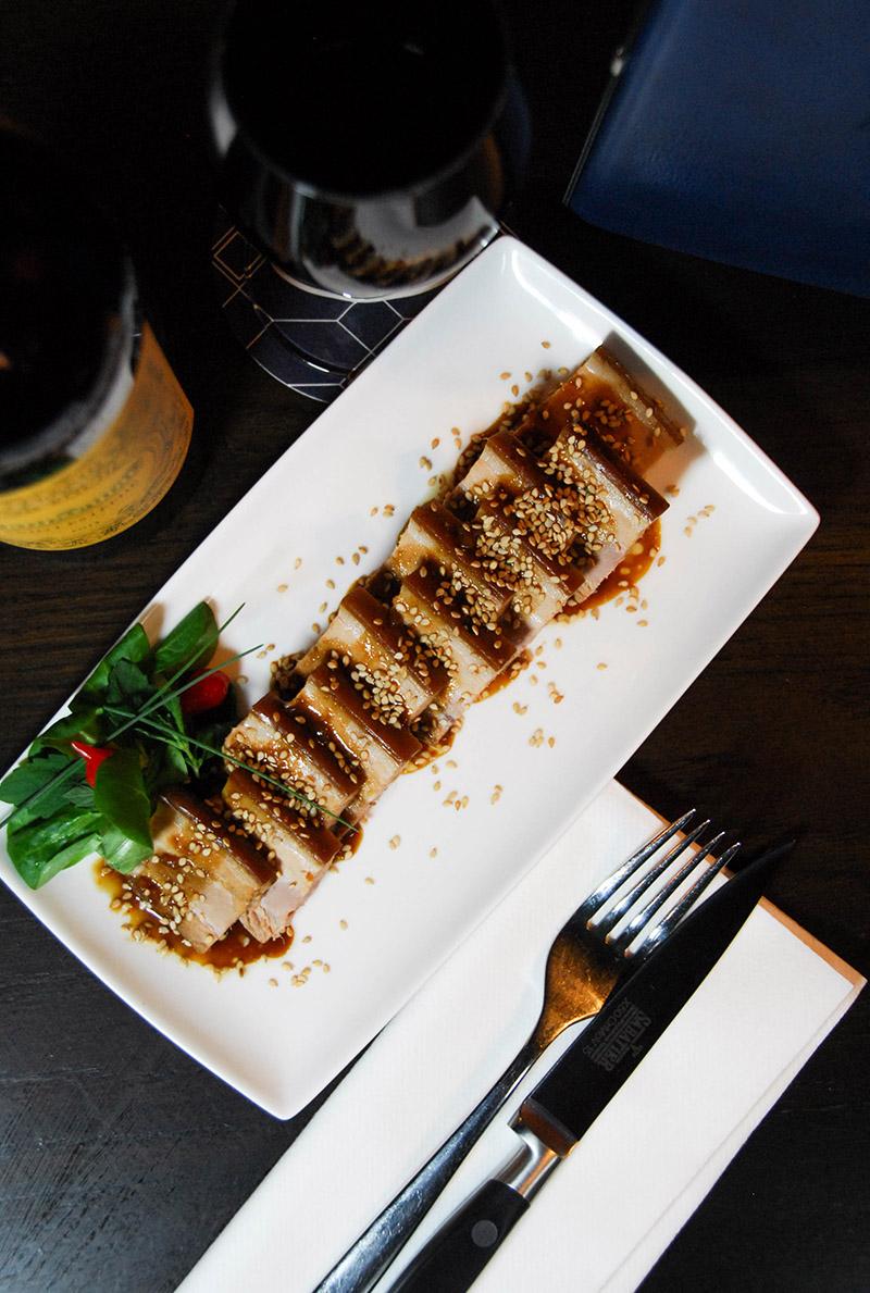 Poitrine cochon caramélisé restaurant Paris